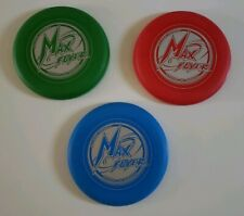 3 MAX FLYER , E-Z GRIP CONTROL, OFFICIAL 100 GRAM WT Frisbees, Green, Red & Blue