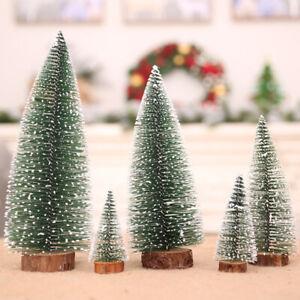 Weihnachtsbaum Tischplatte,4 St/ück Mini Weihnachtsbaum mit Weihnachtskugeln Miniatur Weihnachtsbaum Dekorationen f/ür Tisch mit Holzbasen f/ür Weihnachten Weihnachten Weihnachtsfeier Home Decor