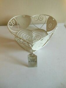BNWT MAISON CREAM WIRE HEART SHAPED FRUIT BASKET/BOWL 11'' X 11'' X 4'' DEEP