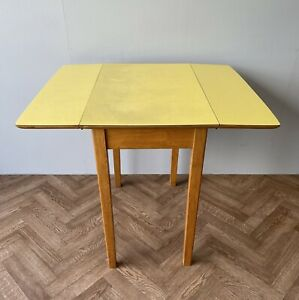 VINTAGE RETRO YELLOW FORMICA DROP LEAF SPACE SAVING DINING KITCHEN TABLE DELIVER