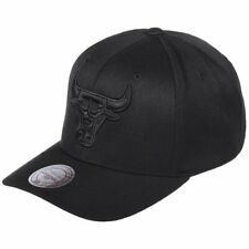 Mitchell & Ness 110 Curved Snapback Cap - NBA Chicago Bulls