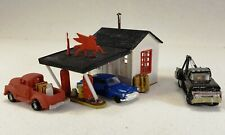 N Scale rural Mobil gas station assembled kit with tow truck and other vehicles