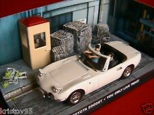 DIORAMA TOYOTA 2000GT YOU ONLY LIVE TWICE JAMES BOND 1/43 UNIVERSAL HOBBIES