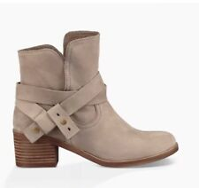 Ugg Elora Low Heel Ankle Strap Slouch Suede Sahara Bootie Boots Sz 9, 9.5 Or 10