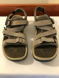 Mens Columbia Sandals, Fawn, suede, strappy, sling back, size UK 9.5  EU 44