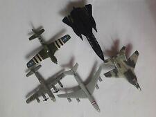Lot de 5 avions en métal