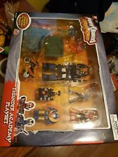 New In Box Power Rangers Ninja Storm Thunder Academy Playset 2003