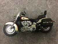Harley Davidson HERITAGE SOFTAIL CLASSIC 1:10 SCALE FRANKLIN MINT CAST
