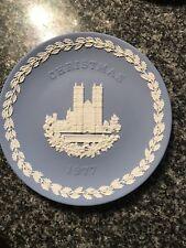 Lovely Wedgwood 1977 Jasperware Christmas Plate, Commemorating Westminster Abbey