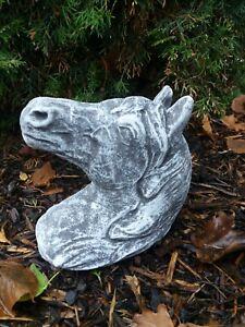 Steinfigur Pferdekopf (zum hängen und stellen)  Frostfest Wetterfest Steinguss
