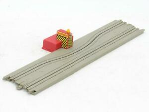 """TYCO US1 Trucking HO Scale 15"""" Squeeze Track with Lighted Barrier 3034 Has Tabs"""