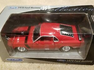 Welly's 1970 Ford Mustang Boss 302 - 1:25 - NIB - Red w/Black Stripes