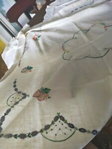 Quantity of vintage embroidery - tablecloths etc