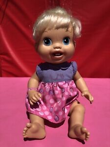 BABY ALIVE Drink N' Wet  Small Blonde Baby Doll 2010