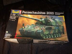 Revell Level 4 Panzerhaubitze PzH2000 Self-propelled 1/35 Plastic model