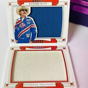 👑 Richard Petty 2020 National Treasures Racing Dual Firesuit Booklet #19/25