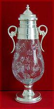 Amphore en forme d'ogive en cristal avec col en métal blanc