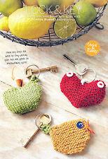 Knitting Pattern portachiavi mela uccellino cuore rapida facile DK SKM AUA