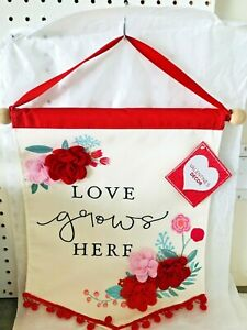 """Fabric Hanging Sign """"Love Grows Here"""" 16"""" x 17 inch RED Sign with Flowers NEW"""