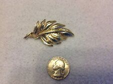 Pin Vintage Jewelry Ladies Brooche Gold Tone Leaf Pin