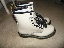 SZ 6 US Doc Martens Patent Leather Air Wair 1460 Beige Tan Lamper Boots 8-Eyelet