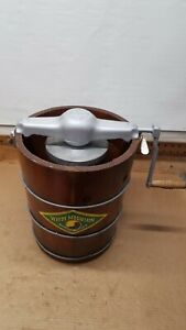 Vintage 4qt White Mountain Crank Ice Cream Freezer