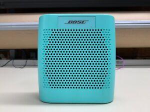 Bose SoundLink Color Bluetooth Speaker FULLY FUNCTIONAL & SPEAKER SOUNDS GREAT