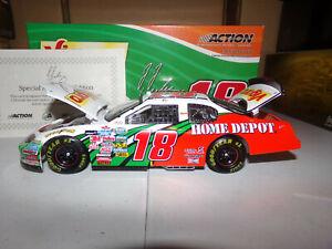 1/24 J.J. YELEY #18 VIGORO AUTOGRAPHED  2005 ACTION NASCAR DIECAST