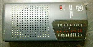 GE General Electric AM/FM Pocket Radio 2 Band Receiver 7-2584A TESTED