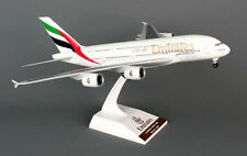 SkyMarks - Flugzeugmodell Airbus A380-800 Emirates (1 200)