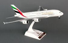 Emirates Airbus A380-800 1:200 SkyMarks SKR698 Modell NEU mit Fahrwerk A380