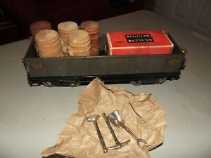 LIONEL 212 GRAY GONDOLA & BOXED 812 TOOLS & 5 WOOD BARRELS C/6