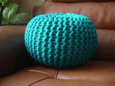 """Hand Knitted Chunky Footstool/Repose-pieds/Coussin (hauteur environ 10"""" Largeur 13"""")"""