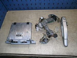 89661-53030 Motorsteuergerät SET Lexus IS 200 114kw Bj.99