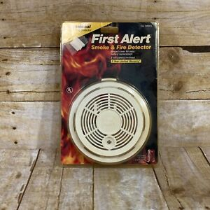 Vintage First Alert Smoke and Fire Detector 1992 NIP Old Stock Vtg Alarm