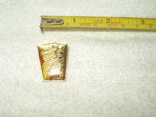 Badge Metal Pin & Enamel Chocolate Nestle Merveilles du Mondes