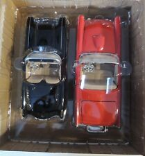 2 Motormax 1959 GMC Convertibles Thunderbird Corvette Miniature Cars  1:24 NEW