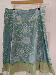 FAT FACE GORGEOUS LADIES CALF LENGTH GREEN PATTERNED SKIRT SIZE 16 VERY GOOD CON