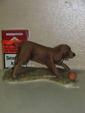 +# A015811_09 Goebel Archiv Muster Hund Dog Spaniel spielt Ball 30-201 Plombe