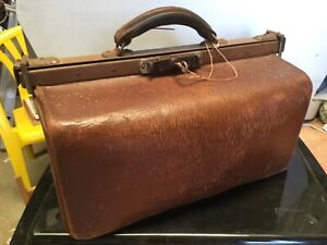 Vintage Lockable GLADSTONE / DOCTORS leather bag