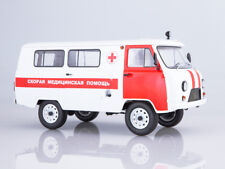 UAZ 3962 Ambulance SSM2004 1:18