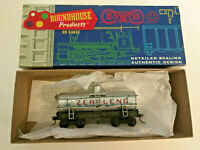 HO scale Roundhouse Zerolene 26' old timer tank Car