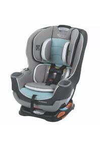 Graco Extend2Fit Convertible Car Seat, Ride Rear Facing Longer Spire