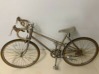 Womans Huffy Aerowind Bicycle in collectable condition