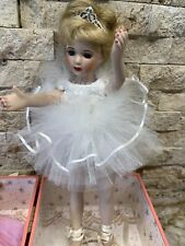 """Show Stoppers """"Cadence"""" Ballerina Porcelain Doll w Musical Carry Case. Vintage."""