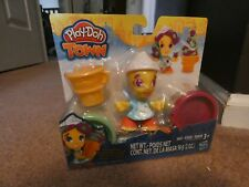 PLAY-DOH TOWN ICE CREAM GIRL MODELING SET   AGES 3+: NEW IN PACKAGE