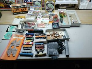 N Scale Lot Of Assorted Locomotive Rolling stock cars And accessories Rare!!!!