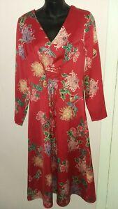 BNWT Ladies M&S UK 8 Red Oriental Flowers Long Sleeved Dress