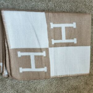 Letter H throw Blanket Soft Blanket Sofa Bed Travel Car