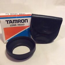 TAMRON HOOD AND CASE TO FIT 35-135mm LENS
